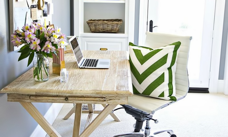 5 Ways to Keep Your Desk Organized